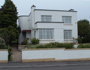 An Adorable Art Deco Flat Roof in Kirkcaldy